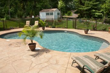 Lakeland Painted pool deck by Johnny's Painting of Polk County, LLC