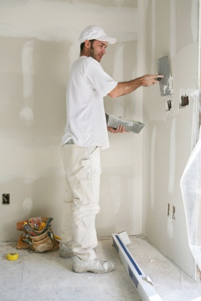 Drywall repair in Lakeshore, FL by Johnny's Painting of Polk County, LLC.