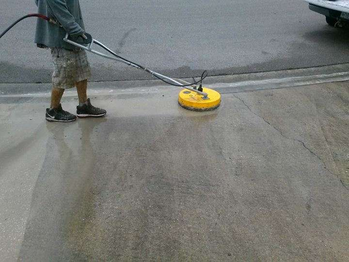Driveway Cleaning in Lakeland, FL